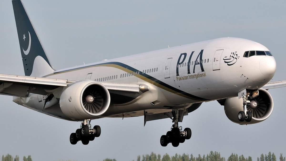 Самолет Пакистанских авиалиний