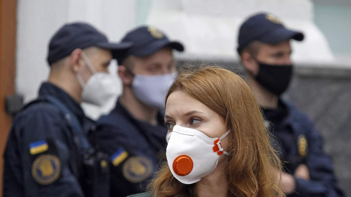 Как изменилось количество зараженных COVID-19 в Украине за май