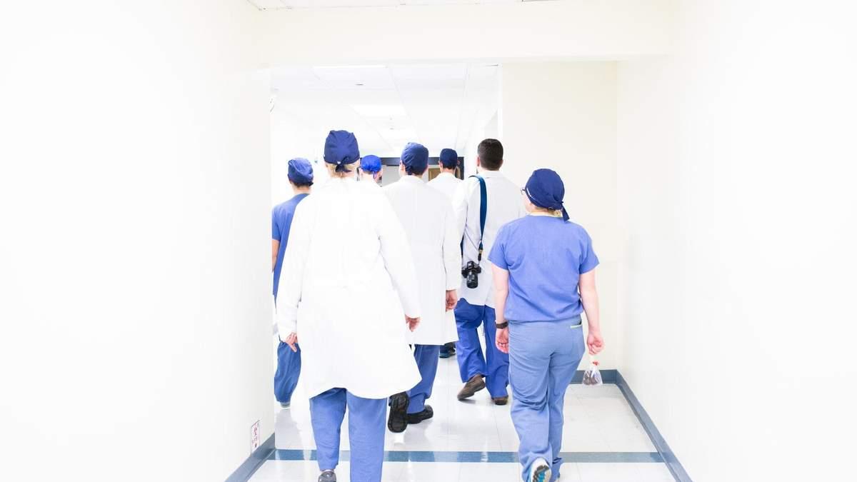 Увольнение медиков во время эпидемии