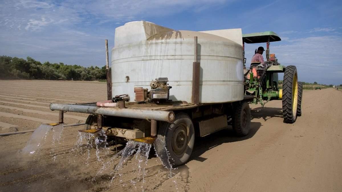 Як запобігти забрудненню води після використання засобів захисту рослин: правила