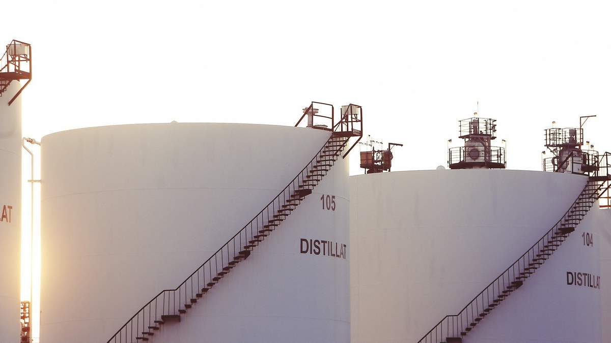 Цены на нефть 28 мая 2020 года: нефть дешевеет – причины