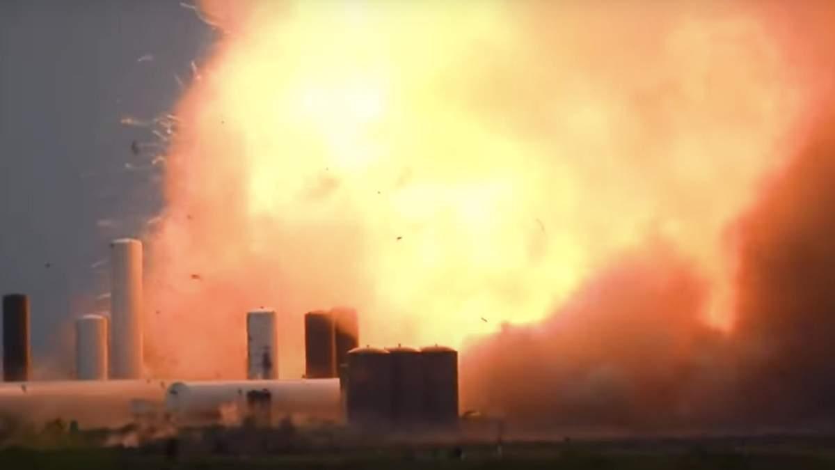 Корабель Маска вибухнув під час випробувань