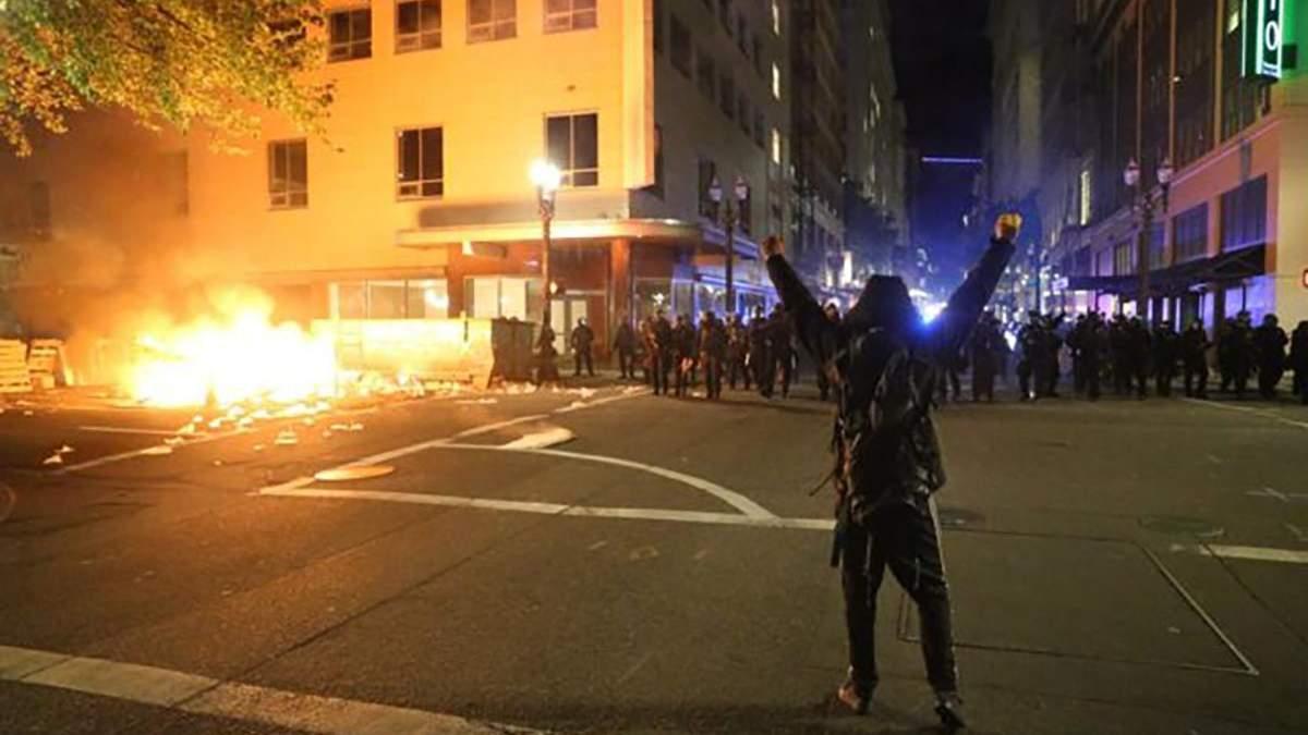 Чрезвычайное положение в Портленде 30 мая 2020: видео протестов