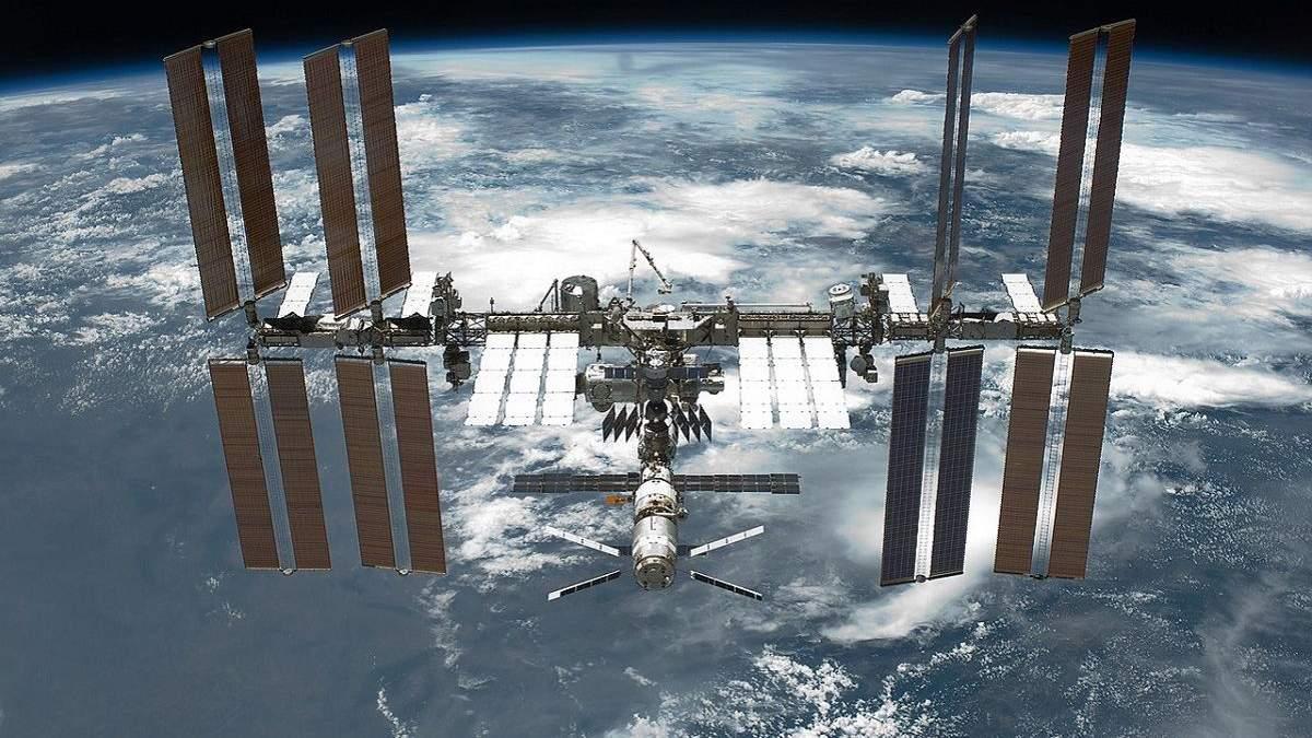 Девятилетняе приключение американского флага на МКС завершается