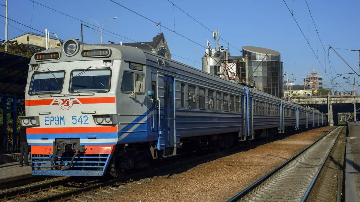 Укрзалізниця відновила рух 439 електричок: напрямки