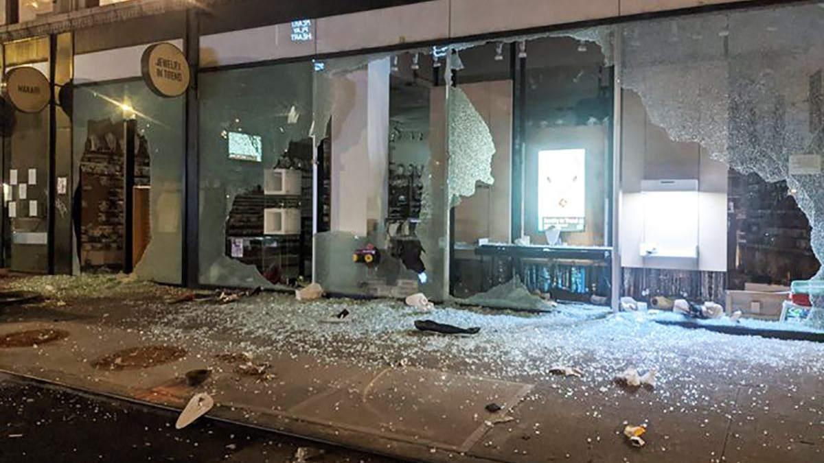 На Мангеттені протестувальники грабують магазини