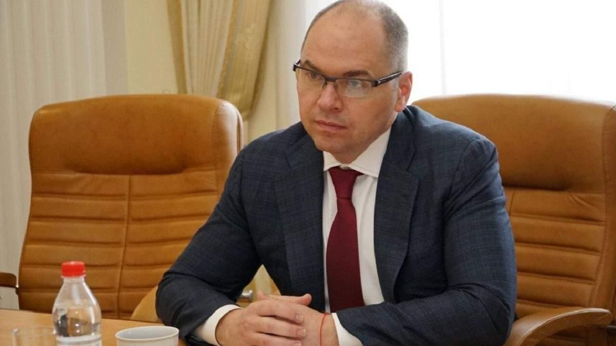 Максим Степанов проводить співбесіди з кандидатами по ZOOM