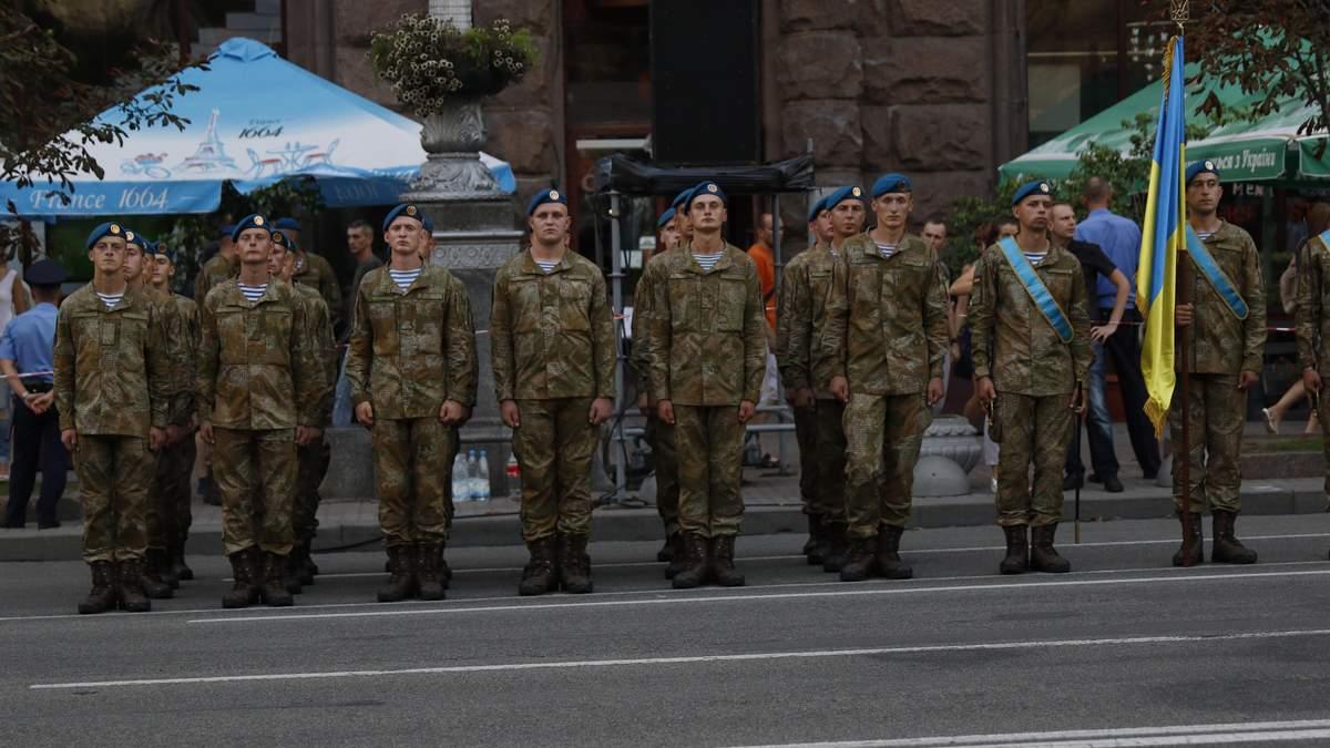 У МОН переконують, що через відтермінування вступної кампанії військкомати до армії не забиратимуть