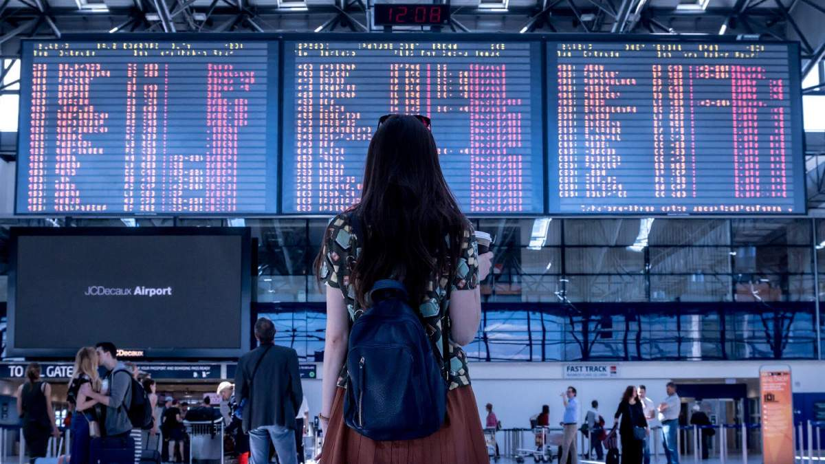Уход за кожей во время авиаперелета: как избежать сухости в самолете