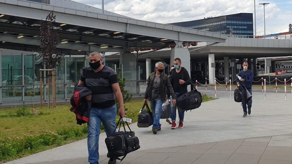 До Польщі прибули літаки з українськими заробітчанами 6.06.2020
