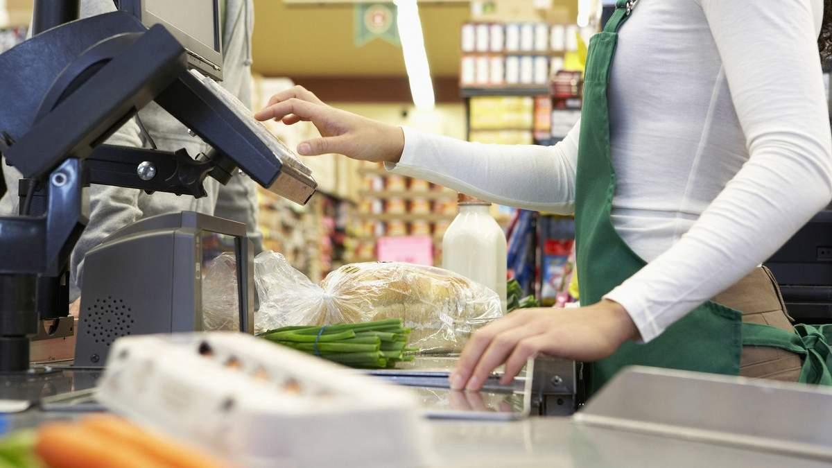 Знімати гроші з карт на касах магазинів - Приватбанк запустив новий сервіс