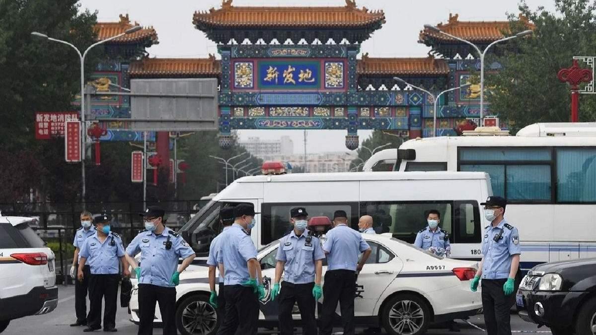 У Китаї спалах коронавірусу: знову через продовольчий ринок