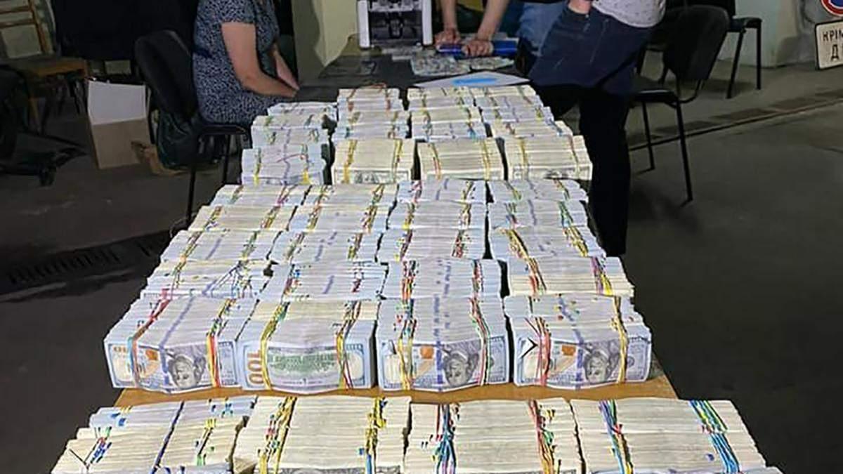 Фігуранта намагалася пройти в 6 мільйонів Ільяшенка відстороніли на посаді керівника Підкреслила Київ