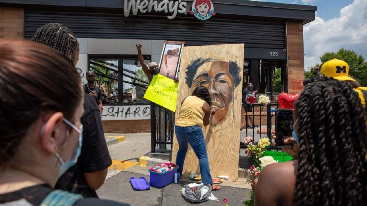 Вбивство Рейшарда Брукса поліцією в Атланті: нові деталі