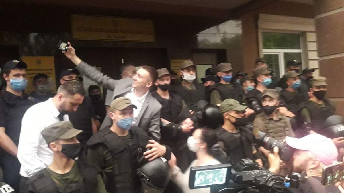 Завершився суд на Стерненком: прибічники активіста прийшли до Зеленського