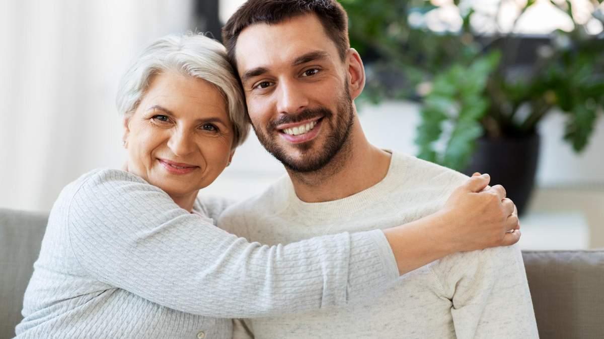 Что могут сказать о парне его отношения с мамой