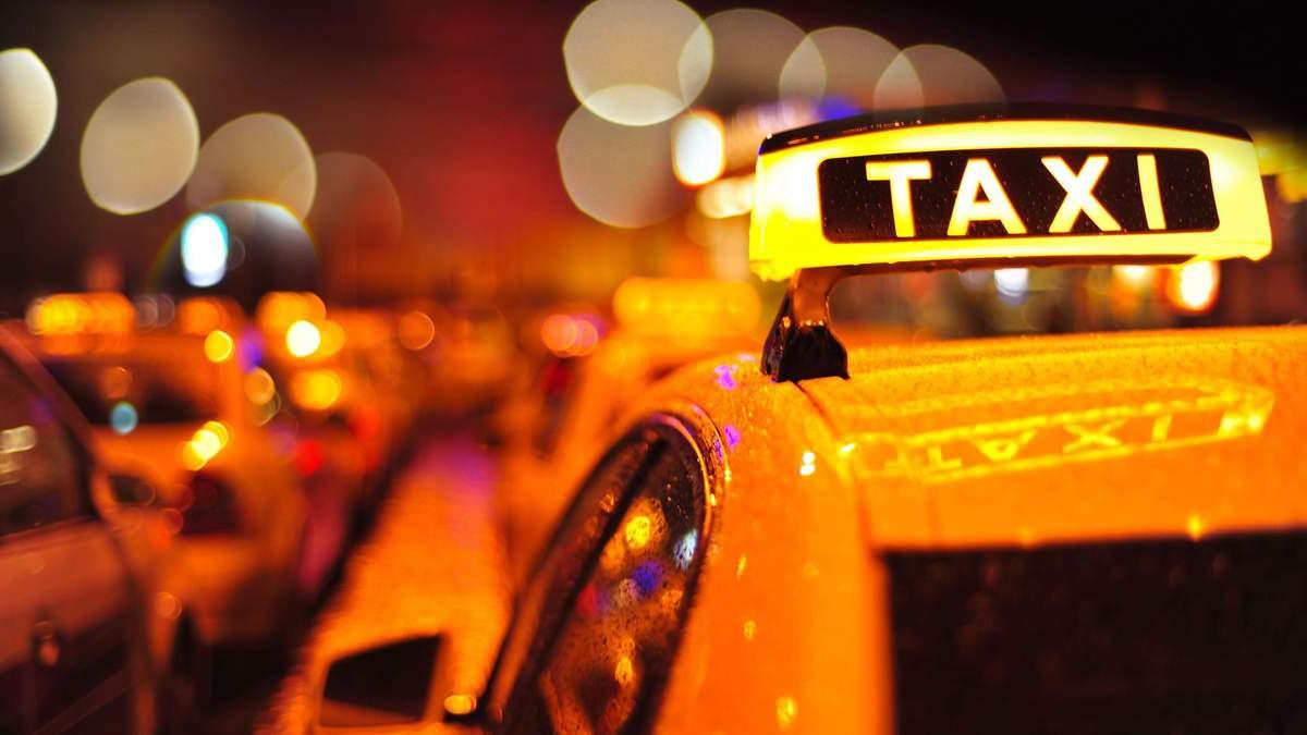 У Харкові водій таксі знепритомнів під час руху