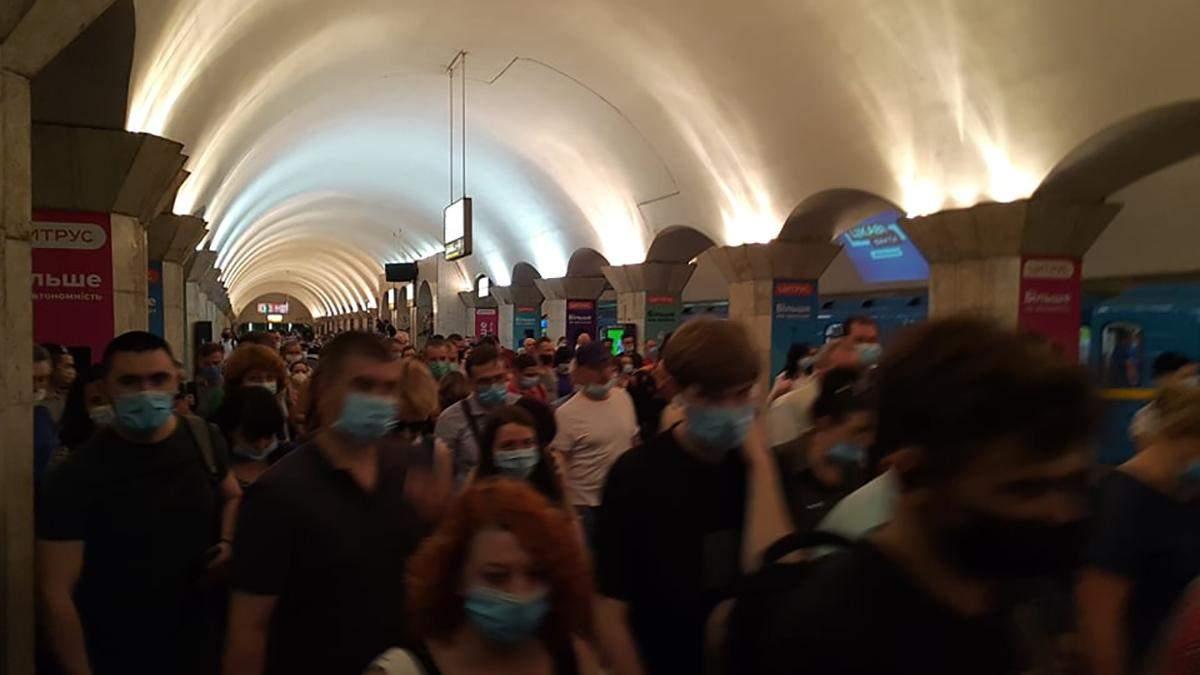 Яблоку негде упасть: какая ситуация с транспортом в Киеве – фото