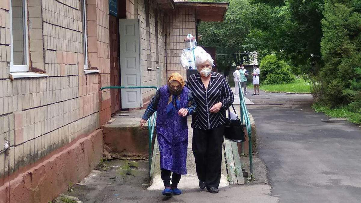 Матери и дочери удалось выздороветь от COVID-19