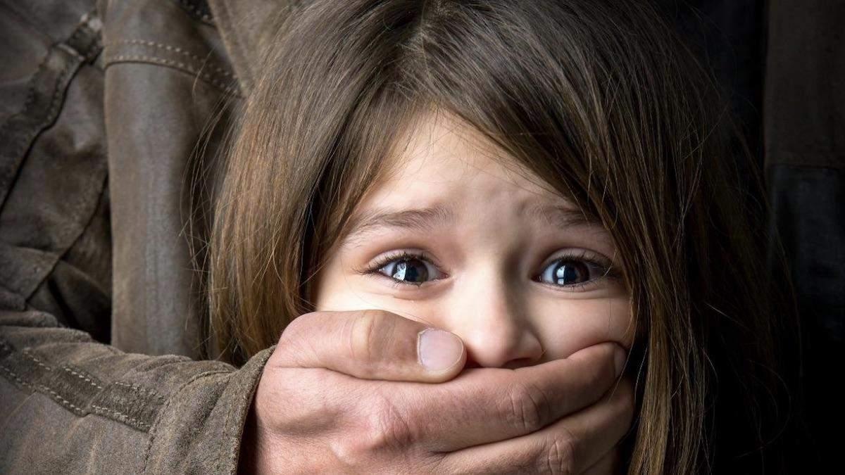 На Харківщині чоловік намагався зґвалтувати 13-річну дівчинку