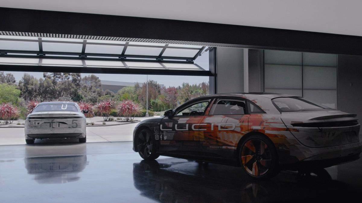 Выпуск электромобиля Lucid перенесли на следующий год