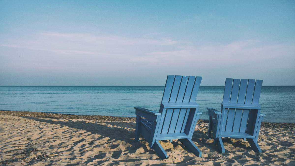 Як безпечно купатися і відпочивати на пляжі під час пандемії COVID-19