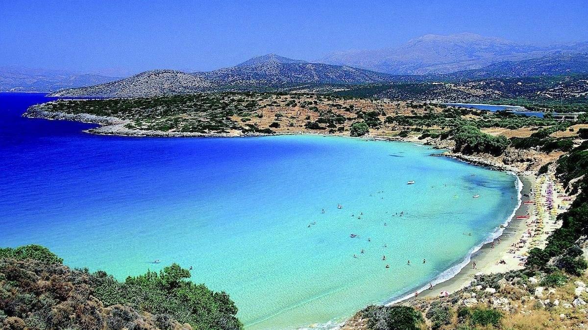 Кіпр тестуватиме туристів на коронавірус в аеропортах