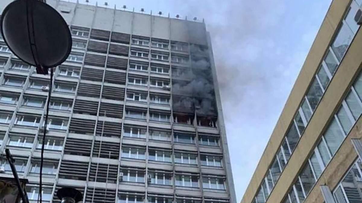 Пожар в Киеве на Хмельницкого 20 июня 2020: видео