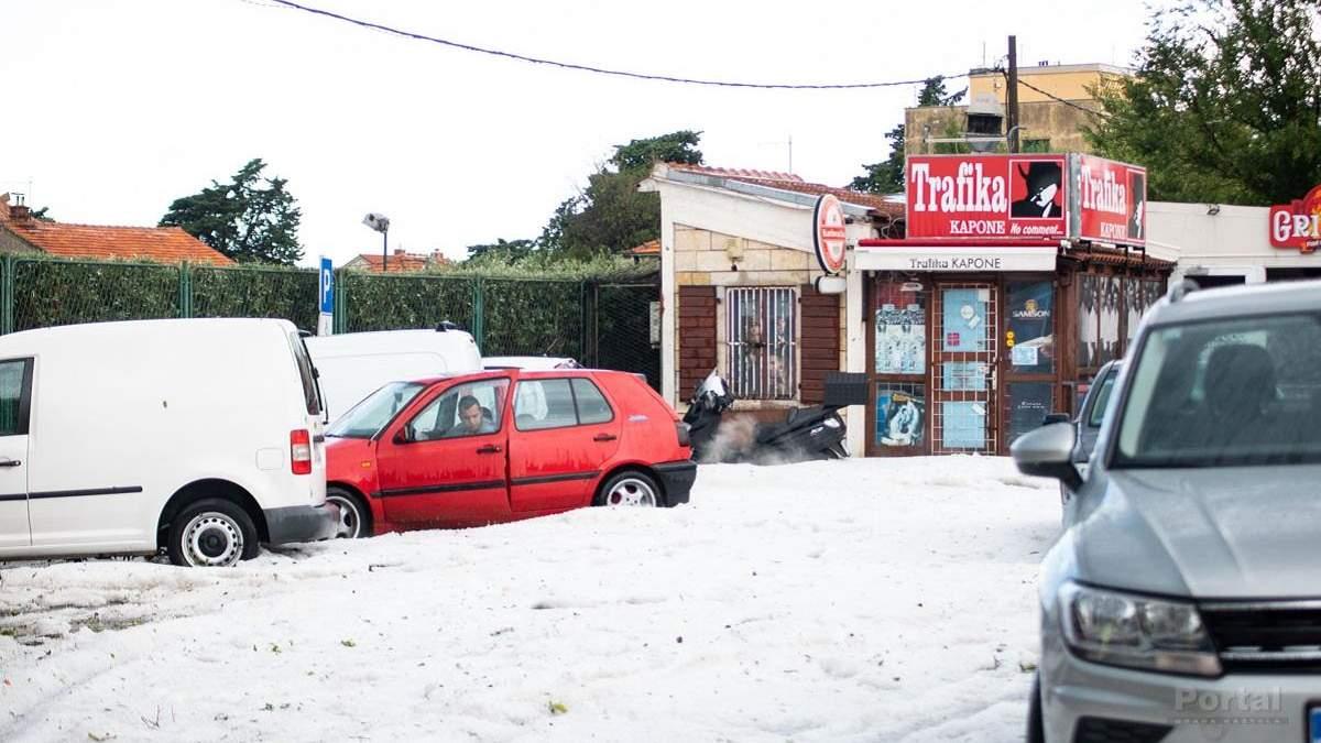 У Хорватії посеред літа випав сніг