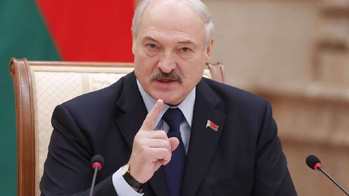 """""""Підрізав крила цим злодюгам"""", – Лукашенко після арешту свого головного опонента"""