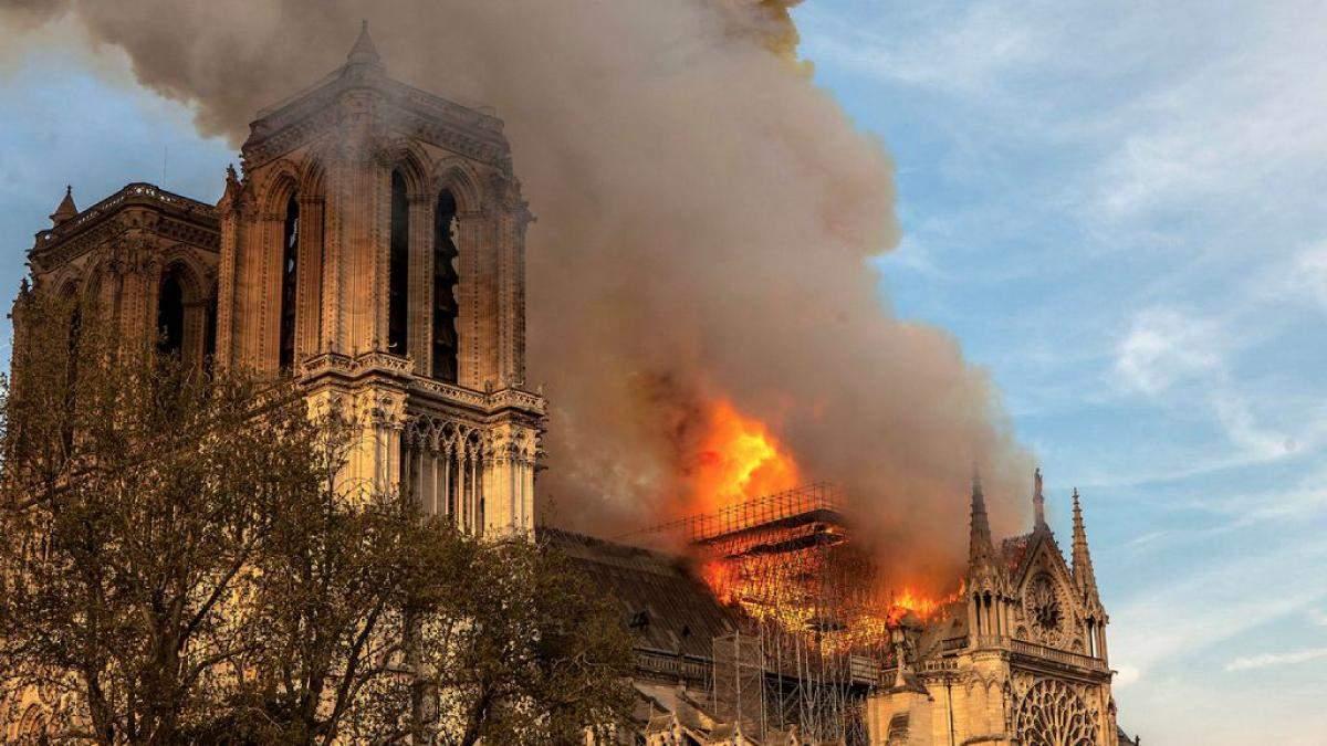 Про пожежу в соборі Паризької Богоматері знімуть фільм