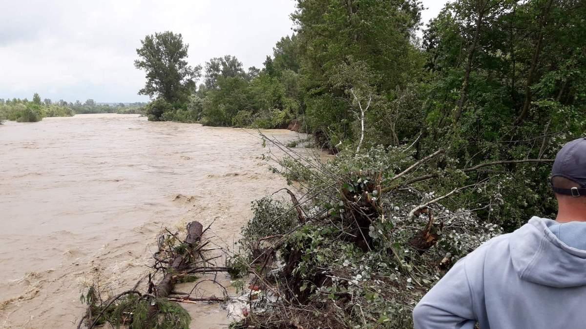 Наводнение в Западной Украине 2020: есть жертвы – видео, фото