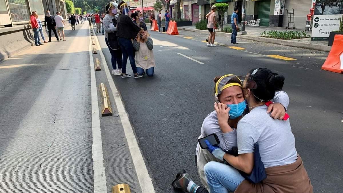 Землетрясение в Мексике магнитудой 7,4 23 июня 2020: видео