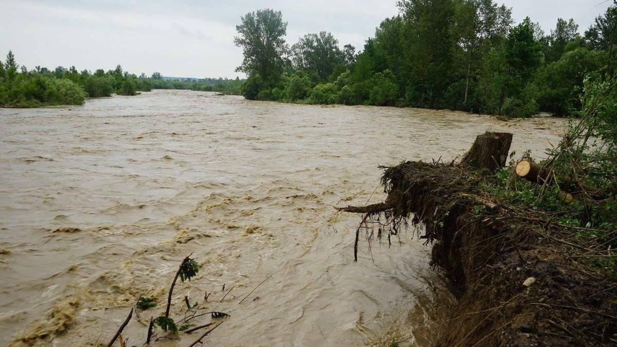 Жителям Ивано-Франковска выплатят компенсацию из-за подтопления домов
