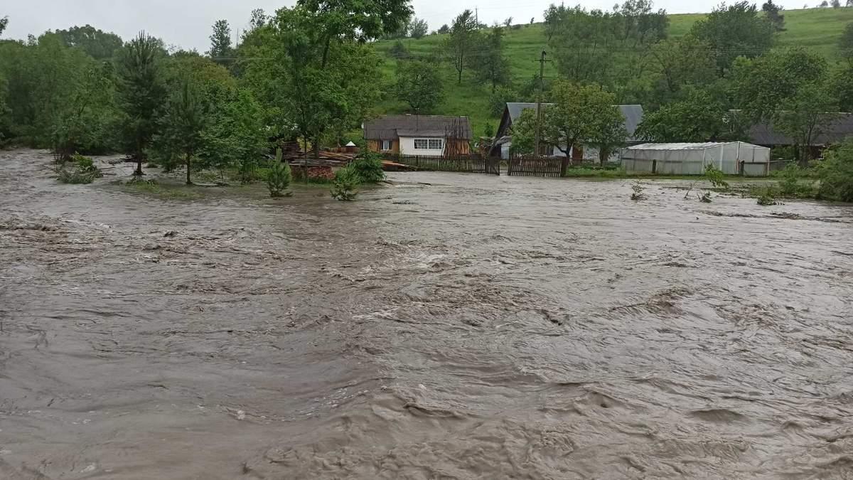 Непогода во Львовской области - фото, видео подтоплений