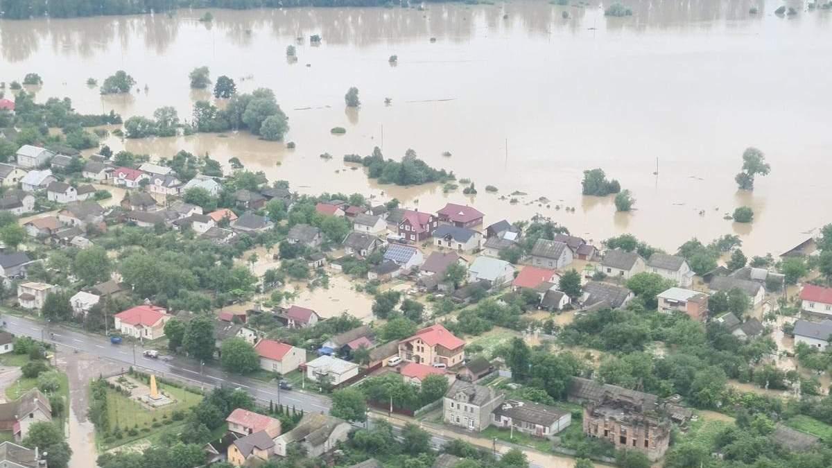 Повінь у Західній Україні 2020 – відео потопу з висоти