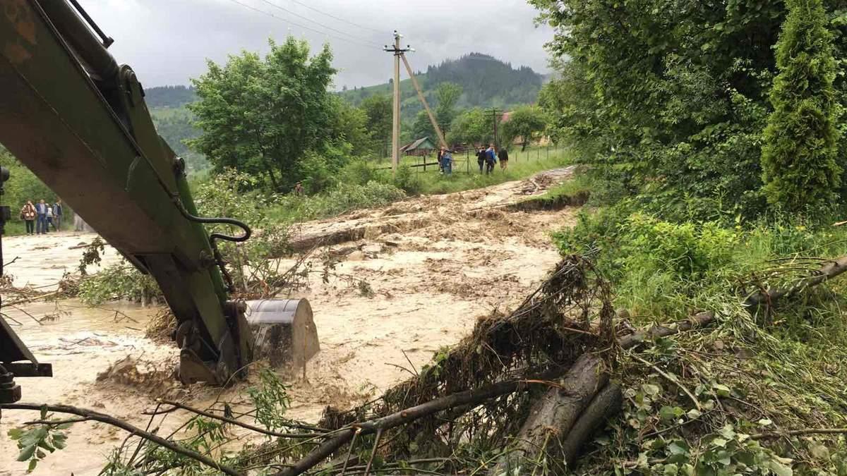 Наводнение в Карпатах превосходит масштаб 2008 года, – Шмыгаль