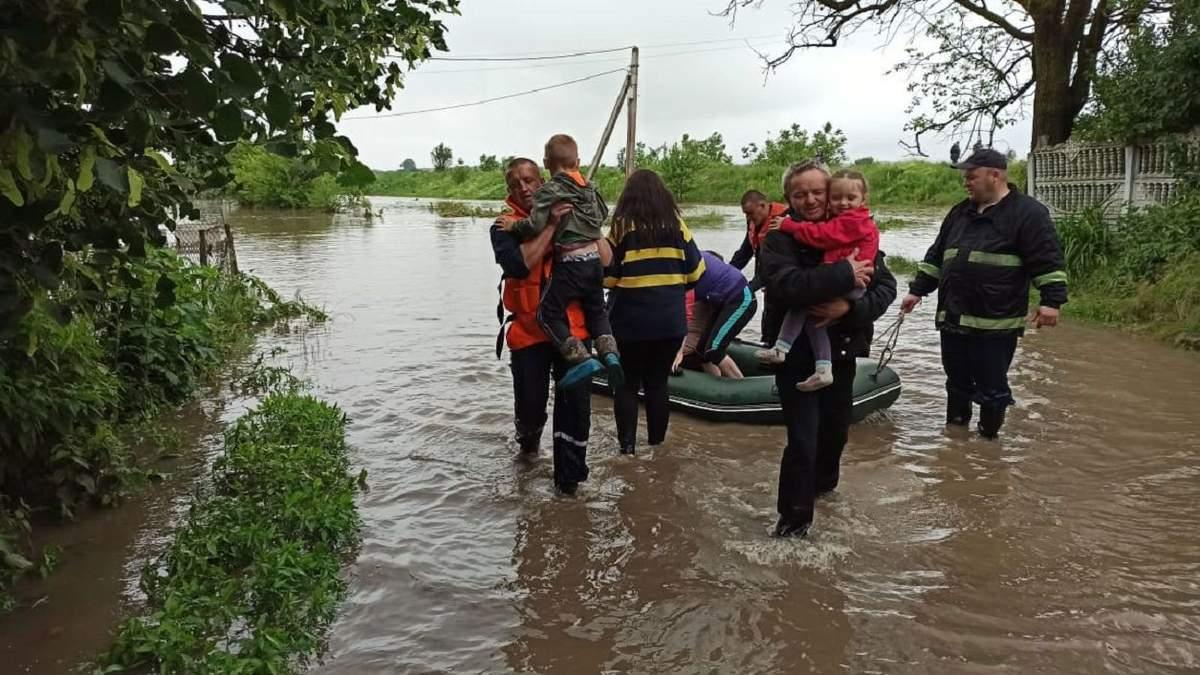 Наводнение на Буковине: жители села Лунка отказались от эвакуации