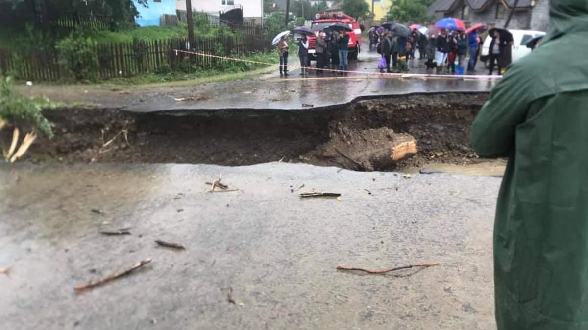Угорщина дасть Україні 50 мільйонів на дороги після повені
