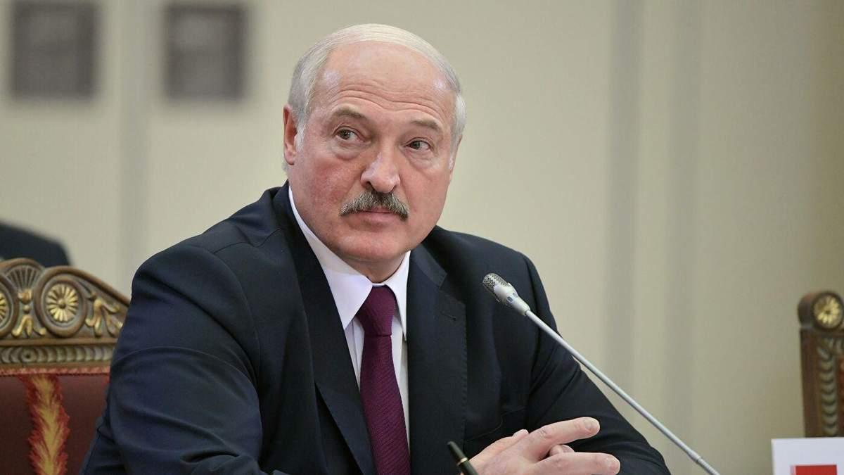 Лукашенко скаржиться, що РФ втручається у вибори та внутрішні справи Білорусі