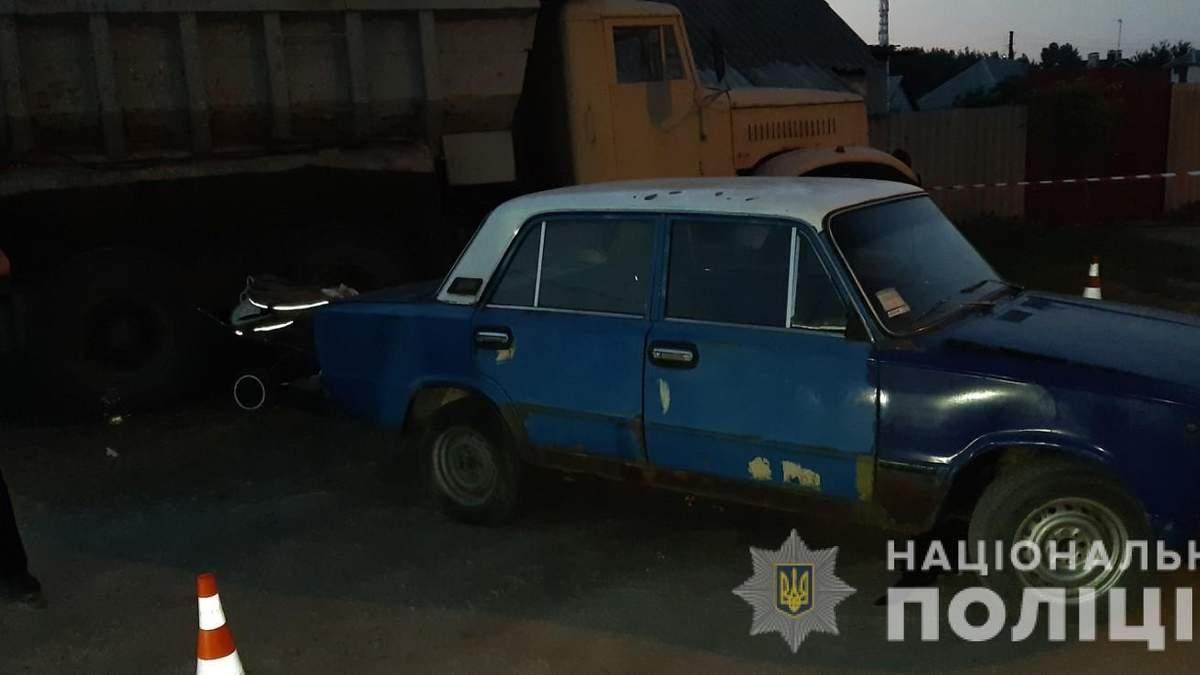 ДТП в Харькове 26.06.2020 автомобиль наехал на детскую коляску - фото