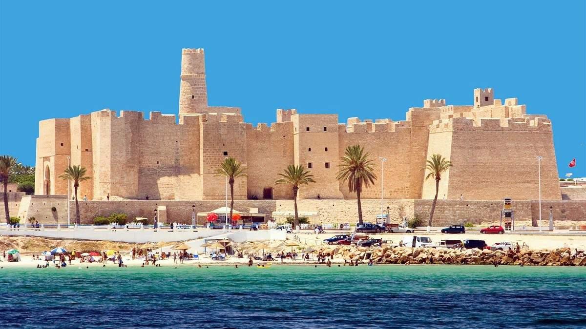 Туніс оголосив про відновлення туристичного сезону