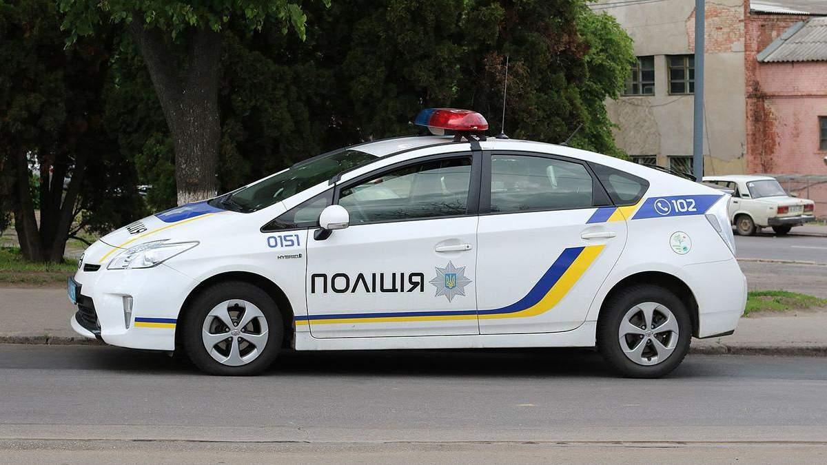 Полицейская наехала на пешеходов в Ровно