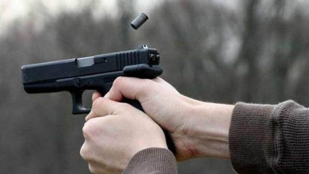 Стрілянина на Харківщині: чоловік напав на компанію з дітьми