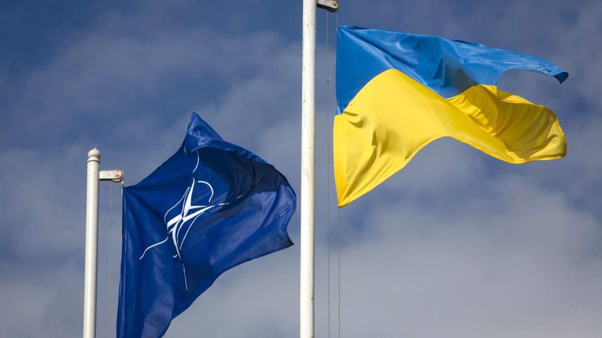 Коли НАТО зможе розмістити свої бази в Україні: відповідь МЗС