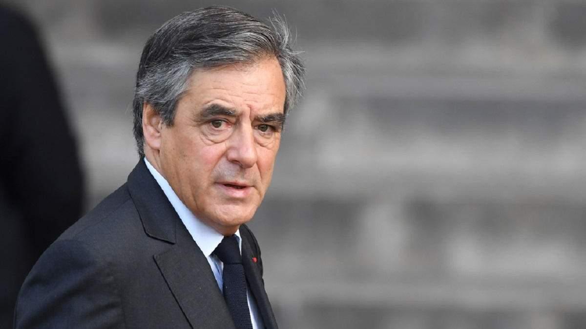Франсуа Фийона приговорили к 5 годам за мошенничество