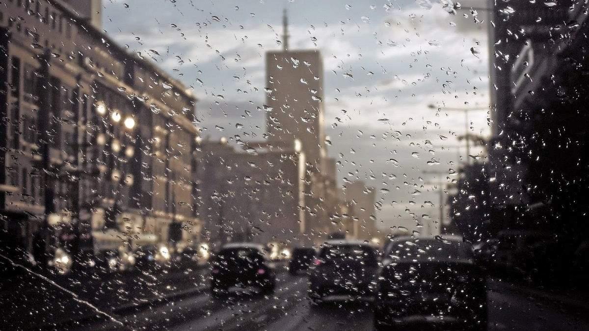 Варшаву накрила потужна злива