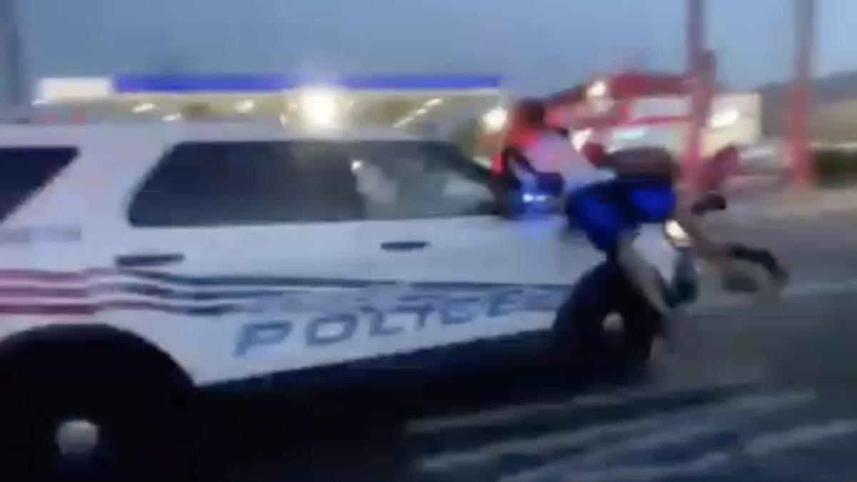 В США полиция наехала на протестующих автомобилем