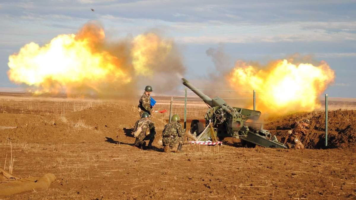 Ворог 12 разів обстріляв позиція ЗСУ на Донбасі: двоє українських захисників поранені