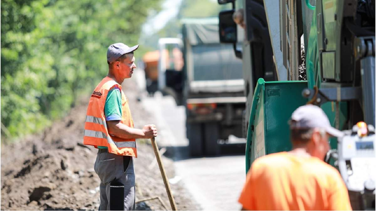 """""""Велике Будівництво"""" у самому розпалі. Хто будує нові українські дороги в обличчях"""